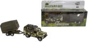 Auto Land Rover Defender Military přívěsem a plachtou