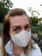 Látková respirační rouška - maska dvouvrstvá s kapsou béžová s proužky