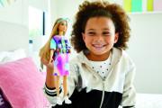 Barbie modelka femme and fierce šaty