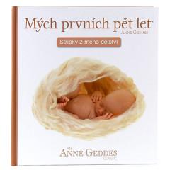Kniha Mých Prvních Pět Let - V klubíčku Anne Geddes