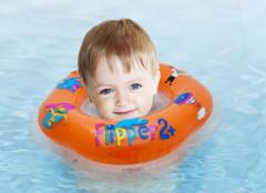 Plavací nákrčník Flipper oranžový od 2 let