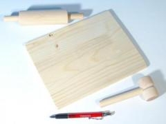 Dřevěné nádobí váleček, prkýnko, palička dřevo 24x18cm
