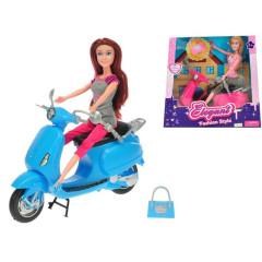 Panenka s motorkou a doplňky