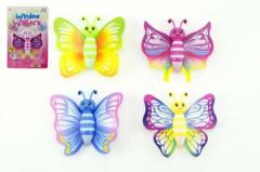 Motýlek lezoucí po skle plast 8cm