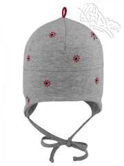 Zavazovací kojenecká bavlněná čepička Květy šedá
