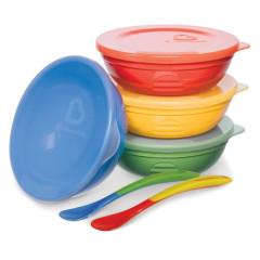 Set barevných misek s víčky a lžičkami 10ks Munchkin