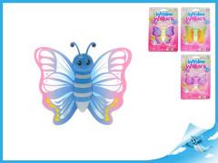 Motýlek s gelovou přísavkou