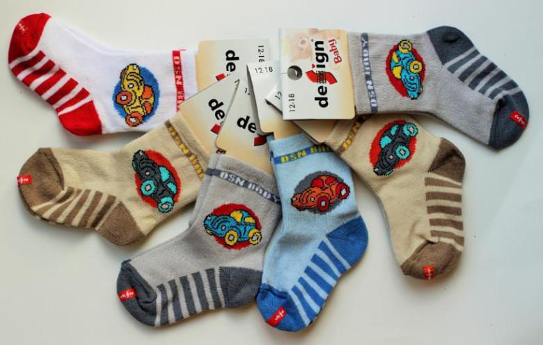 Chlapecké kojenecké ponožky 0-6m s autíčkem  8ed5b42c99