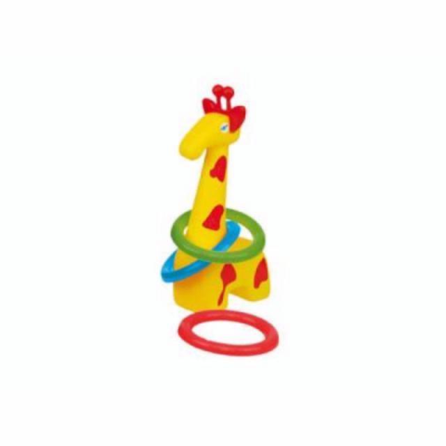 Plastová žirafa s kroužky