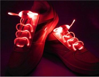 Svítící a blikající tkaničky do bot ČERVENÉ