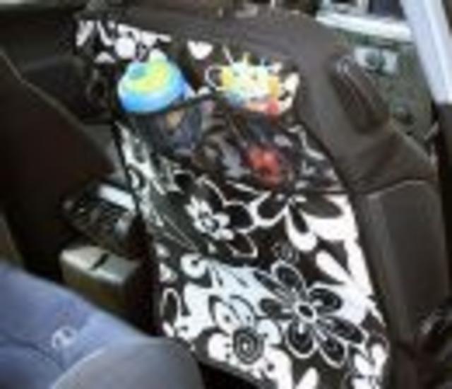 Chránič sedadel +kapsář 2v1 různé designy
